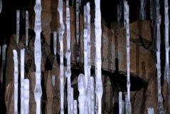 Columnas del hielo en una cueva fotografía de archivo libre de regalías