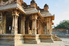 Columnas del templo de Vitthala en Hampi, la India Imagenes de archivo