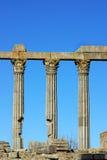 Columnas del templo romano. Fotos de archivo libres de regalías