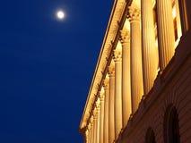 Columnas en el claro de luna Imagen de archivo