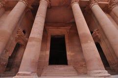 Columnas en el Hacienda en el Petra imagen de archivo libre de regalías
