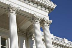 Columnas estriadas del Corinthian en el capitolio de California Imagen de archivo libre de regalías