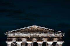 Columnas griegas con el espacio de la copia Imagen de archivo libre de regalías