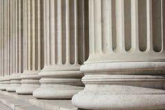 Columnas neoclásicas - concepto del negocio fotos de archivo