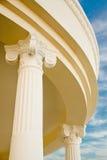 Columnas neoclásicas del edificio Imagen de archivo