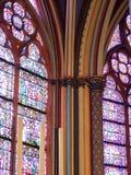 Columnas policromas de Notre Dame de Paris fotografía de archivo