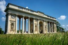 Columnata Reistna, gloriette romántico del clasicista en Lednice imágenes de archivo libres de regalías