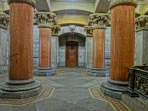 Columned Gebäude Lizenzfreie Stockfotos