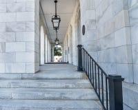 columned korridor hungary för byggnadsstad Royaltyfri Fotografi
