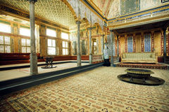 Columns in great Imperial Hall with the throne of Sultan in Topkapi palace, UNESCO World Heritage Site Stock Images