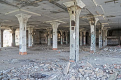 The columns in the room ruined slaughterhouse Royalty Free Stock Photography