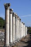 Colums dans la porte occidentale de l'agora Photographie stock
