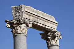 Colums en la puerta occidental del ágora Foto de archivo