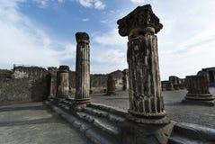 Colums ionique à Pompeii photographie stock libre de droits