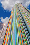 Coluna artística na defesa do La do distrito, Paris, França Imagens de Stock