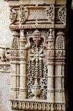 Coluna com cinzeladura de pedra Fotografia de Stock