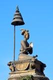 Coluna de bronze, Nepal fotografia de stock