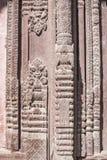 Coluna de madeira bonita Handcrafted de um templo imagens de stock