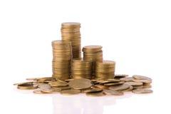 Coluna de muitas moedas do dinheiro imagem de stock