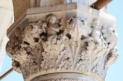 coluna de Palazzo Ducale em Veneza, Itália fotografia de stock