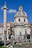 A coluna de Trajan e o Foro di Traiano, Roma Imagens de Stock Royalty Free