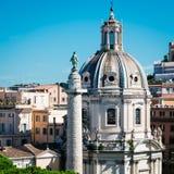 Coluna de Trajan no fórum de Trajan em Roma imagem de stock royalty free