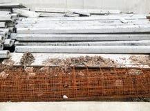 Coluna do cimento e rebar da malha Fotografia de Stock Royalty Free