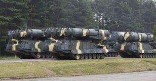 Coluna do equipamento militar Fotografia de Stock Royalty Free