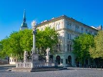 Coluna do praga no quadrado dos peixes em Bratislava, Eslováquia imagens de stock royalty free