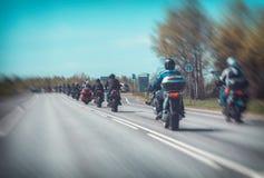Coluna dos motociclistas fotografia de stock royalty free