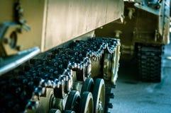 A coluna dos tanques está em uma missão Fotos de Stock Royalty Free