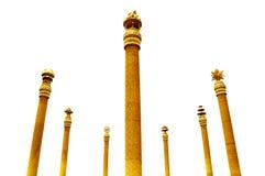 Coluna dourada antiga de sete colunas imagem de stock royalty free