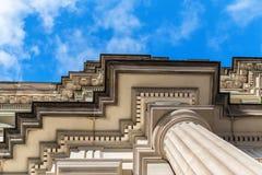 Coluna e parte Tuscan da construção velha fotos de stock