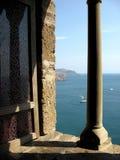 Coluna no fundo do mar fotografia de stock