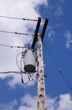 Coluna posta elétrica na cidade americana Imagens de Stock
