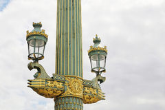 Coluna Rostral com as lanternas no lugar de la Concorde paris fotos de stock