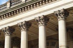 Colunas da câmara municipal de Leeds Fotos de Stock Royalty Free