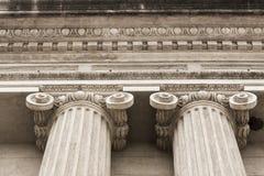 Colunas da construção em detalhe Imagens de Stock