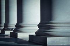 Colunas da lei fotografia de stock