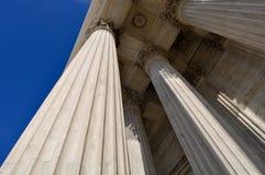 Colunas da lei e da justiça Fotos de Stock Royalty Free