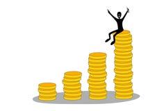 Colunas das moedas e do homem de negócios feliz Fotografia de Stock