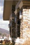Colunas de pedra da entrada fotos de stock royalty free