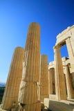 Colunas do Acropolis, Atenas imagem de stock