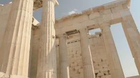 Colunas do erechthion na acrópole em Atenas vídeos de arquivo