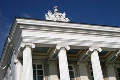 Colunas e estátua Fotografia de Stock