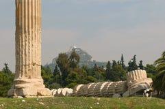 Colunas gregas, templo do Zeus do olímpico, Atenas Fotografia de Stock
