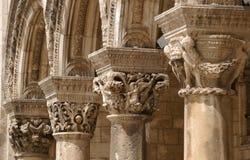 Colunas no edifício velho Fotos de Stock Royalty Free