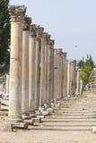 Colunas no grego clássico e na cidade romana mais atrasada de Ephesus Turquia Imagens de Stock