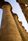 Colunas no Templo de Luxor foto de stock