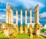 Colunas romanas em Córdova imagem de stock